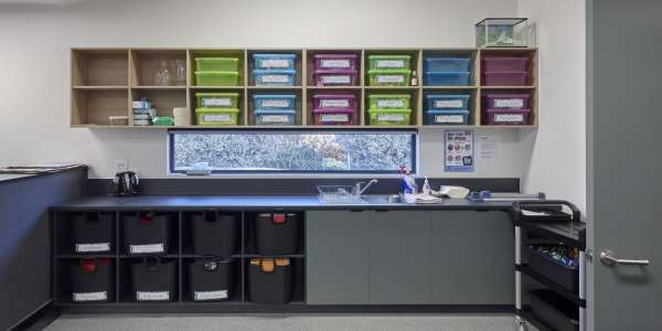 Modular laboratories for schools and worksites
